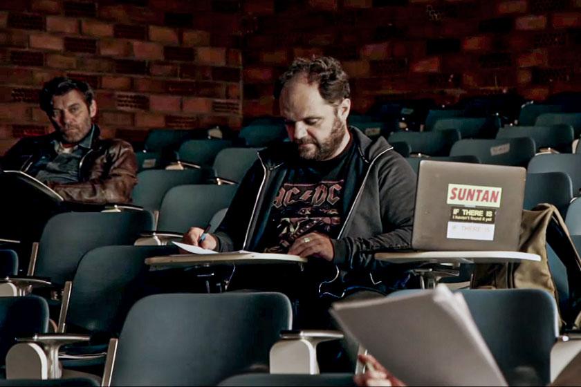 Το Αμφιθέατρο του Παραλόγου: Καλλιτέχνες συμμετέχουν σε βίντεο για την πρωτοβουλία